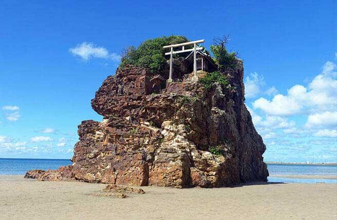 神在月・神無月とは?神々を束ねる「大国主大神(オオクニヌシノオオカミ)」を知ろう|日本の神様